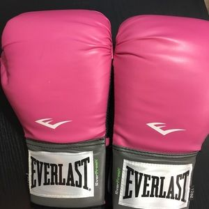 Ever-last Womans boxing gloves Breast Cancer EUC